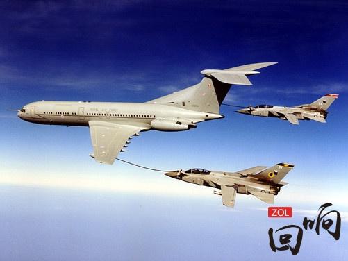 大c游世界 揭秘飞机的空中加油技术